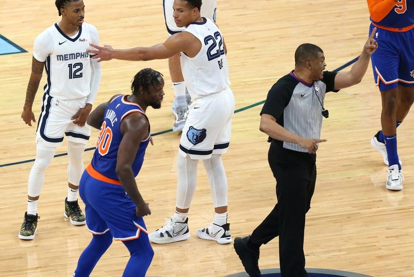 因不滿判罰與裁判發生爭執,莫蘭特和主教練一起被驅逐 !