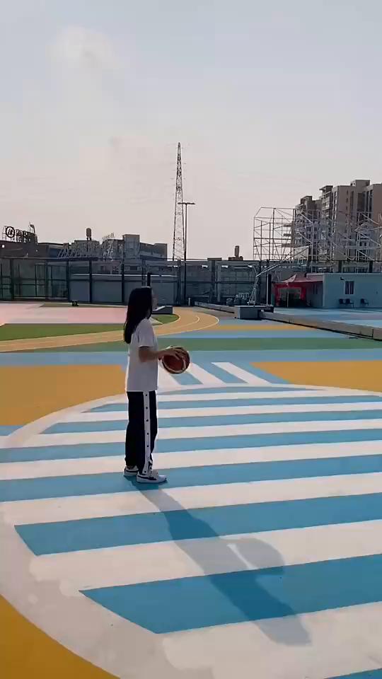 姿勢滿分!這灌籃你打多少分?