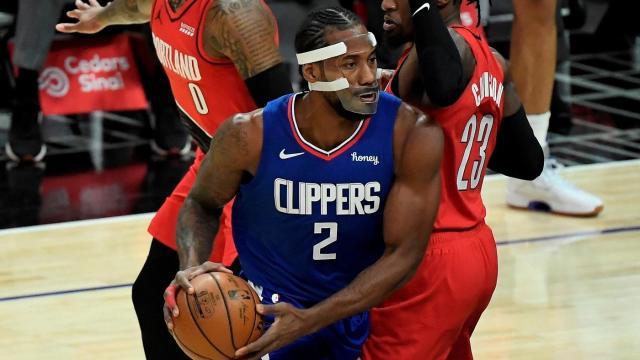 Leonard復出轟28+7+3抄截!快艇面具俠發威,盧指導稱讚他為領袖!(影)-黑特籃球-NBA新聞影音圖片分享社區