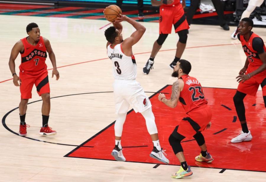 10場比賽2次絕殺!場均28分聯盟第四,三分命中率44.5%,今年全明星少不了他!-黑特籃球-NBA新聞影音圖片分享社區