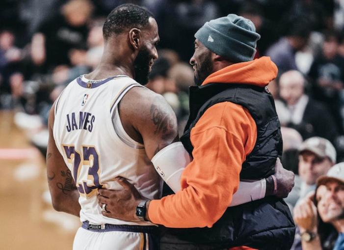詹姆斯賽後談到Kobe一度哽咽:很多東西會死亡,但是傳奇永不消失!-黑特籃球-NBA新聞影音圖片分享社區