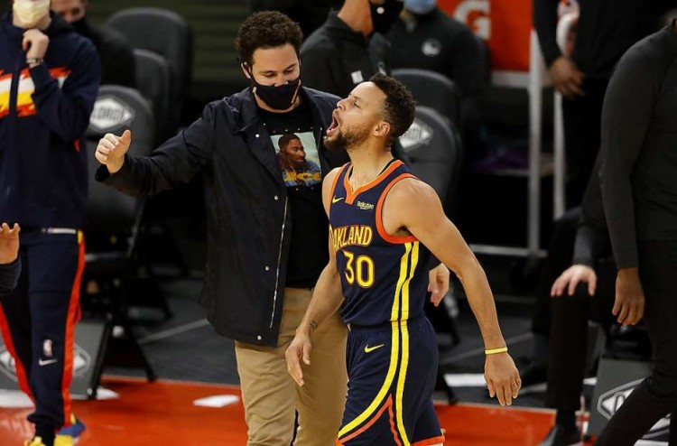 【影片】Beasley連得8分打停勇士,並向勇士板凳席「Boom」,隨後Curry上場連得15分殺死比賽!-黑特籃球-NBA新聞影音圖片分享社區