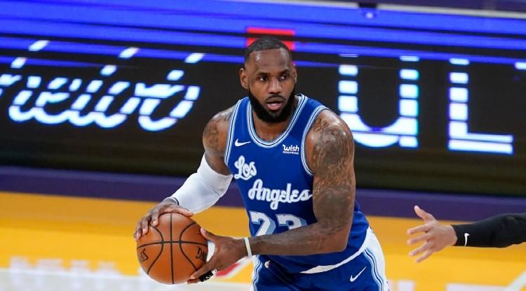 James開季連續19場至少15分5板5助攻,包攬這項紀錄前二名!-黑特籃球-NBA新聞影音圖片分享社區