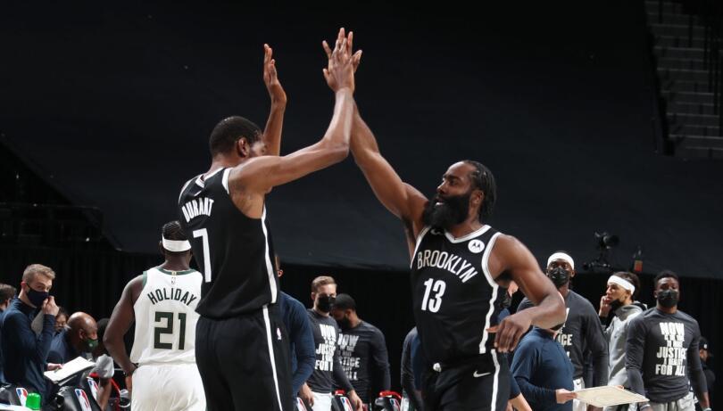 認真的大鬍子有多可怕?哈登指點隊友一幕讓球迷欣慰,一人兩戰就創造了129分!(影)-黑特籃球-NBA新聞影音圖片分享社區