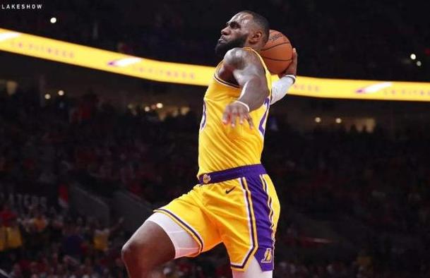 詹姆斯若是聯手柯瑞K湯會有多強?球迷:那將是籃球運動最極致的呈現!-黑特籃球-NBA新聞影音圖片分享社區