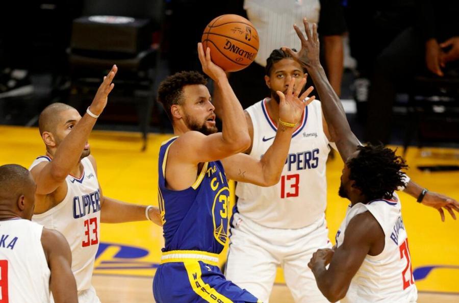 關鍵5分鐘0分+90度崴腳!Curry遇賽季最慘一戰,泰倫盧的「包夾」太狠了!(影)