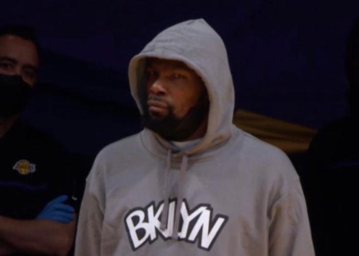 【影片】敗人品!貝弗利撞傷格林後還模仿他受傷,杜蘭特徹底怒了:你給我趕緊滾蛋!-黑特籃球-NBA新聞影音圖片分享社區