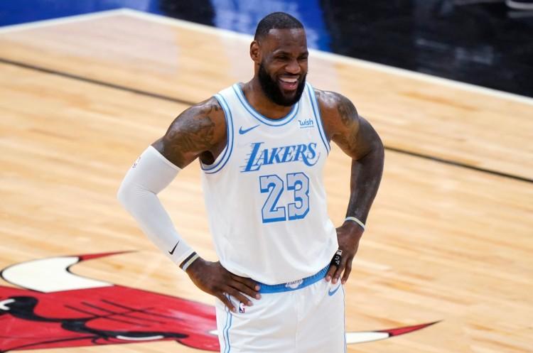 3連敗!與MVP漸行漸遠?詹姆斯體力不支,湖人,還有一個壞消息!-黑特籃球-NBA新聞影音圖片分享社區